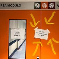 """Coronavirus Toscana, a Pisa spunta  il cartello felice: """"Pronto soccorso vuoto da 6 ore"""""""