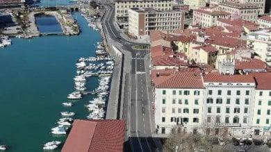 Video: Livorno dal drone in una giornata di sole ma deserta per l'emergenza coronavirus