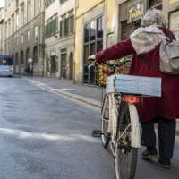 Firenze coronavirus, come batte forte il cuore solidale di San Frediano: cucinano i ristoratori per chi non può