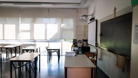 """Lettera aperta alla ministra dell'Istruzione: """"Ma a settembre si torni a scuola: l'istruzione è una priorità"""""""