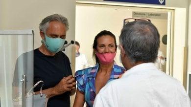 """Bocelli dona il plasma: """"Io positivo al Covid, ma sono guarito"""""""