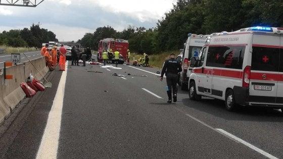 Arezzo, 4 morti in un incidente sull