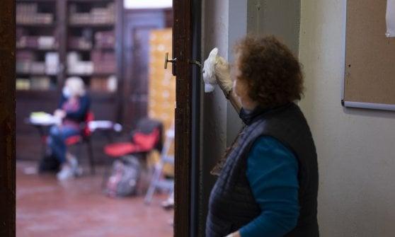 """Firenze, i primi reduci della maturità: """"Che strano questo esame"""""""