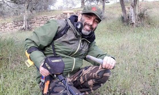 Trova nei boschi del Mugello la targhetta persa dal soldato americano durante la guerra