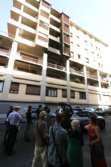Firenze, ottantenne tenta di dar fuoco al nido di vespe e incendia la casa