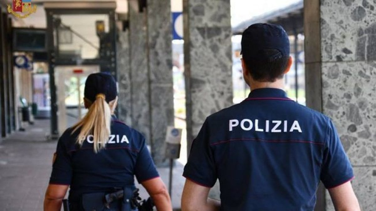 """Firenze, la denuncia della ragazza: """"Io picchiata in un locale da un calciatore e nessuno mi ha aiutato"""" thumbnail"""