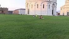Ma com'è strana piazza dei Miracoli a Pisa semi deserta