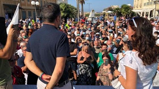 Il maestro Veronesi affronta Salvini e Ceccardi: