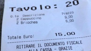 """Firenze, la denuncia di un turista """"15 euro per due cappuccini e due brioches"""""""