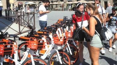 Firenze, sono arrivate le nuove biciclette elettriche: come affittarle  -   foto