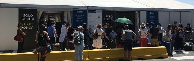 Toscana, numero verde e tampone obbligatorio per chi rientra da Croazia, Grecia, Malta o Spagna
