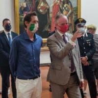 Firenze, visita a sorpresa di John Elkan agli Uffizi