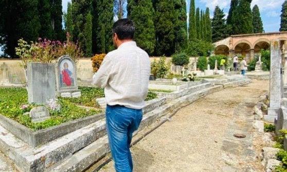Salvini posta la foto della visita alla tomba di Oriana Fallaci