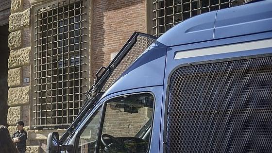 Firenze, tunisino evade dal Tribunale con le manette ai polsi