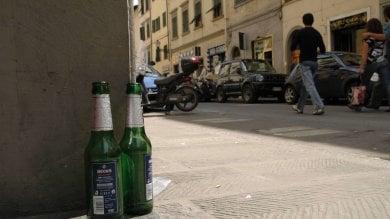 Livorno vieta la vendita di alcol in centro per 2 mesi. Si potrà bere solo dentro ai locali