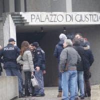 Prato, arrestato 60enne accusato di abusi su una figlia e tre nipotine