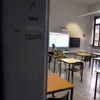 Pisa, torna a scuola bimbo