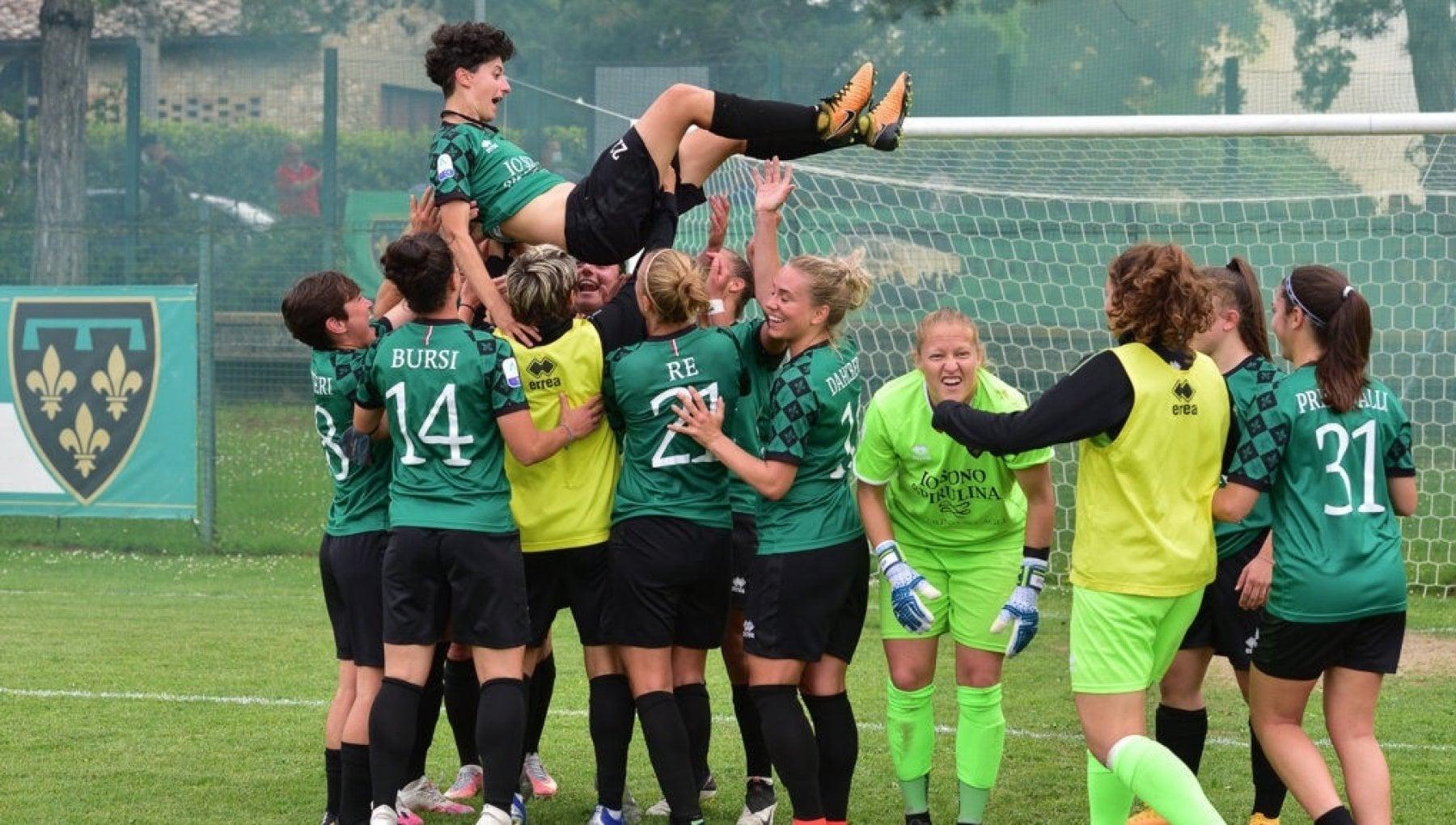 175411823 f360b0f3 83c8 4d7f b275 f11061a9b308 - Calcio femminile, la Sampdoria vuole comprare il titolo sportivo della Florentia, rivolta a San Gimignano