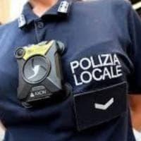 """Sicurezza, ai vigili urbani di Arezzo le """"body cam"""" e il taser"""