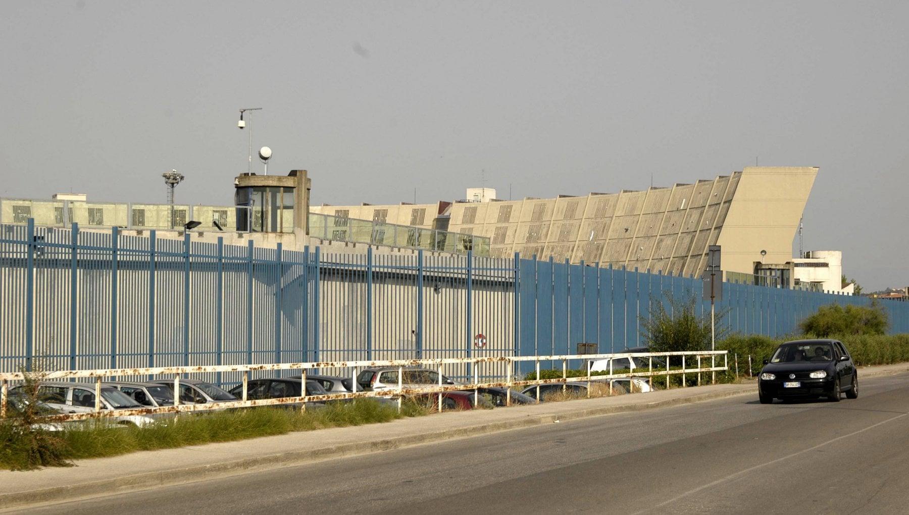 151949270 5ea52e0a f3de 42e9 b657 250679203509 - Firenze, due detenuti a Sollicciano tentano di dar fuoco a un agente penitenziario