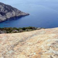 """""""Cercavo il tesoro dell'isola di Montecristo"""", racconta l'imprenditore riapparso in mare..."""