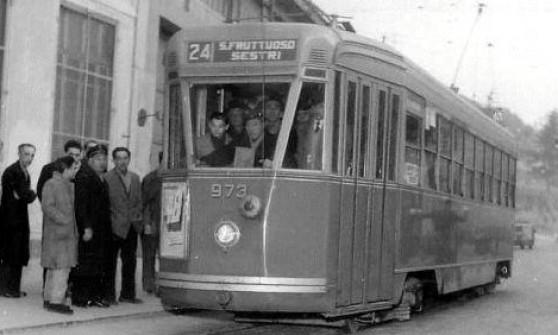 Quell'ultimo tram Caricamento-Voltri cinquant'anni fa il buio sui binari
