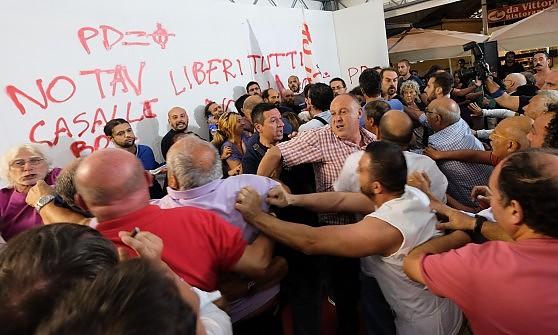 Blitz No Tav alla festa dell'Unità, tutti identificati i contestatori