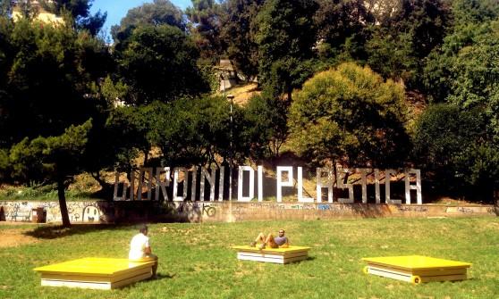 Giardini Di Plastica Genova.Giardini Di Plastica Le Panchine Hanno Anche Le Ruote Repubblica It