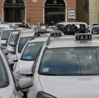 Uber a Genova, i tassisti in prefettura, Tursi: li tuteleremo