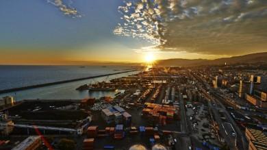 Il nuovo panorama di Genova visto  dalla vetta della Lanterna  FOTOGALLERY