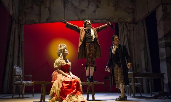 Amadeus lo stabile riparte con un solenghi mefistofelico for Genio in sedia a rotelle