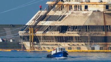 Prà, il lungo addio della Concordia  mille al lavoro in tre cantieri per 700 giorni