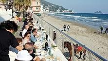 Un ristorante sul mare lungo 400 metri