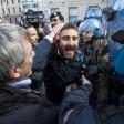 """Genova, metalmeccanici  in piazza: """"Solidali  con operai picchiati a Roma"""""""