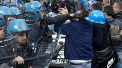 """Scontri Thyssen, il Pd genovese: """"noi con  gli operai, governo punisca i responsabili"""""""