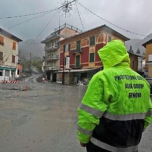 Maltempo, allarme massimo, scuole chiuse in Liguria