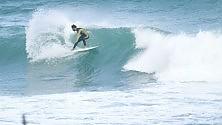 Dopo l'alluvione tornano i surfisti