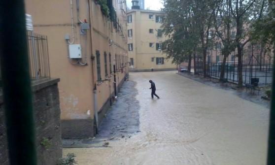 Piazzale Adriatico, meno pioggia e stessa paura. Un corteo per chiedere più sicurezza e controlli
