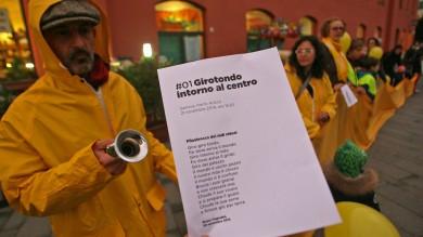 Porto Antico, il girotondo dei genitori  per difendere l'asilo   Fotogallery