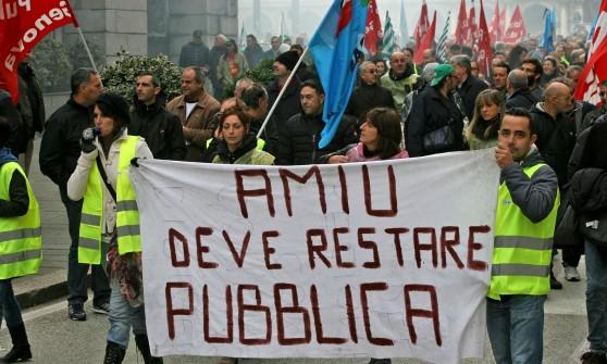 GENOVA Lavoratori AMIU: il sindacato si arrende, noi no!