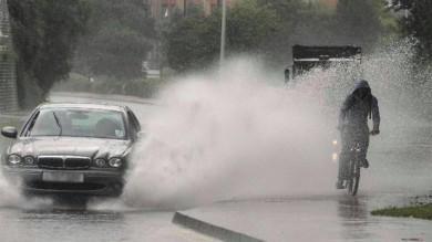 """Liguri """"avvisati"""", pioggia fino a venerdì  Albenga, salvata donna bloccata in auto"""