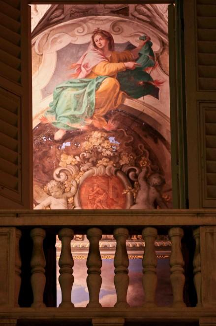 Spiare gli affreschi nelle case di via garibaldi 1 di - Spiate dalla finestra ...