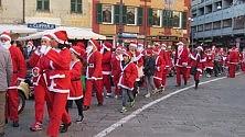 I babbi Natale si mettono in marcia