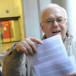 """Farinella, Ciotti, Zanotelli: """"Difendiamo il papa"""""""