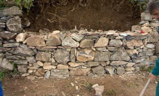 Muretti a secco una gara all 39 ultima pietra - Muretti in pietra giardino ...