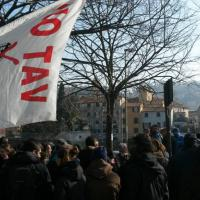No Tav, la protesta non ferma l'esproprio