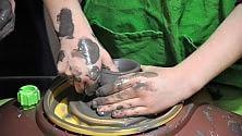 """Ore 8, lezioni di ceramica """"Lavoriamo la creta """""""