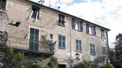 """L'appello al presidente: """"Mattarella aiutaci la casa di Pertini cade a pezzi""""  /   foto"""