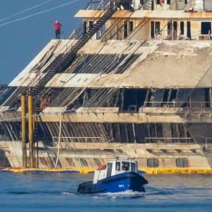 Costa Concordia, la battaglia dei progetti. Il Tar: consegnateli ai sopravvissuti