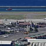 Genova, atterraggio d'emergenza  per un volo militare